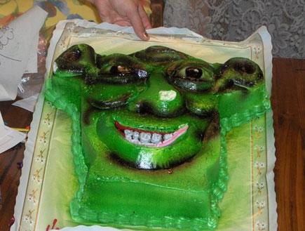 הילד ביקש עוגת שרק, מה יכולתי לעשות (צילום: mako)